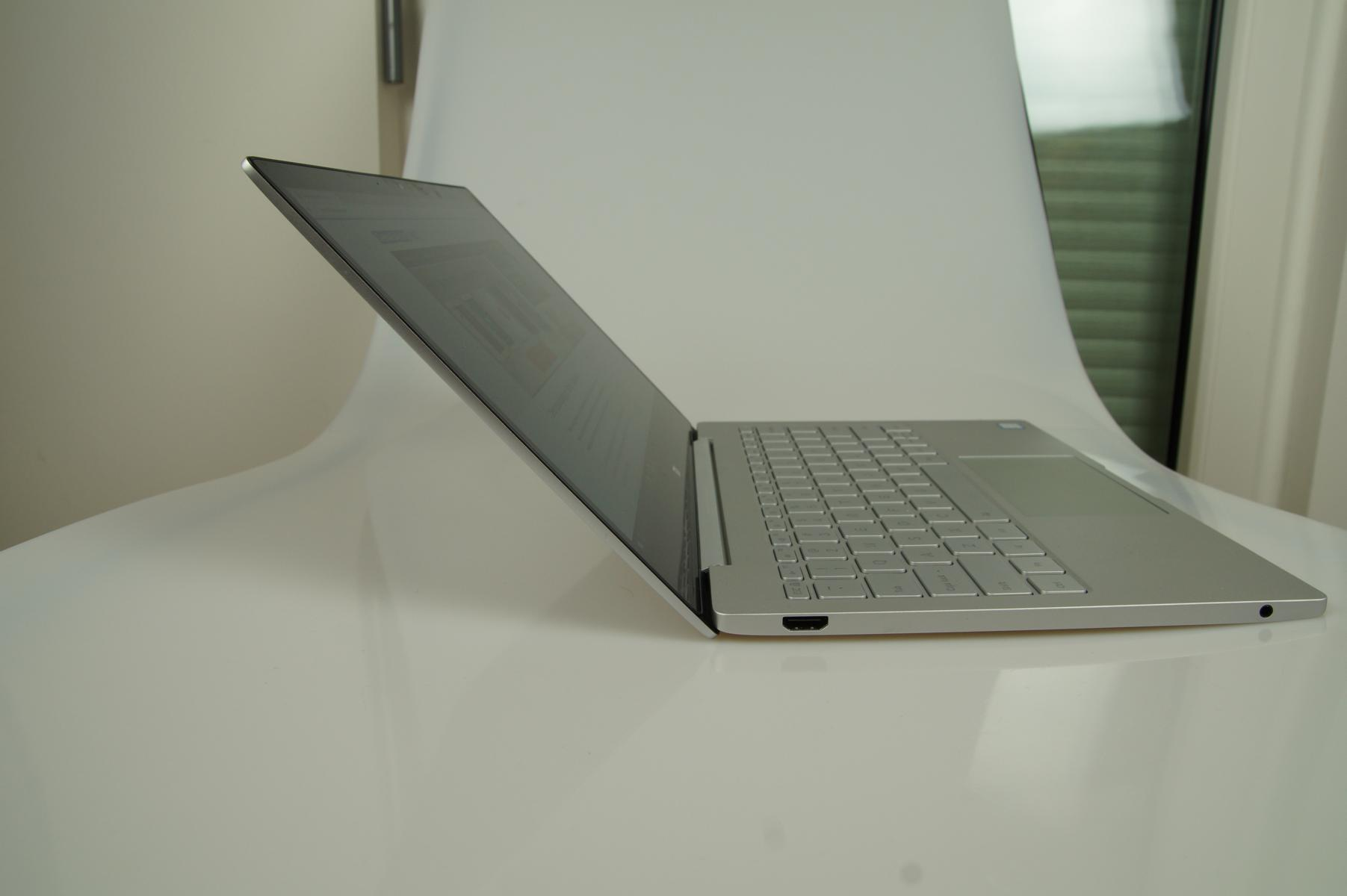xiaomi-mi-notebook-air-aufgeklappt