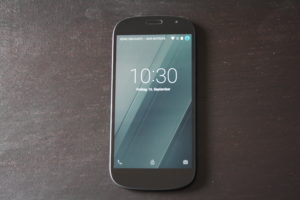 yotaphone 2 display