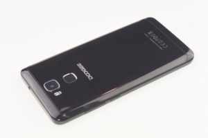 Doogee Y6 Piano Black Edition 1