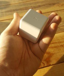 CubeWeißHand 250x300