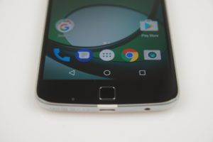 Lenovo MOTO Z Play Test 10