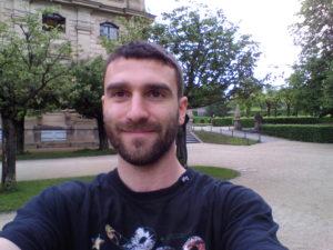 Vernee Apollo X Selfie 2 300x225
