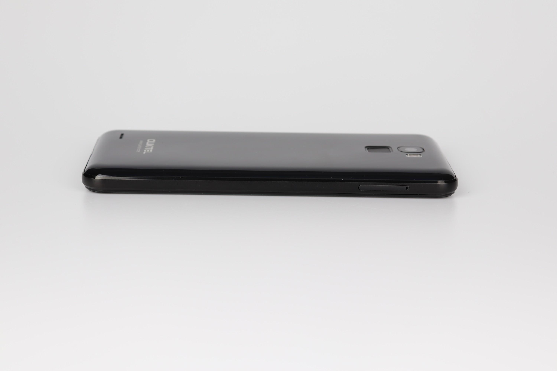 Design e qualità costruttiva Oukitel K5000