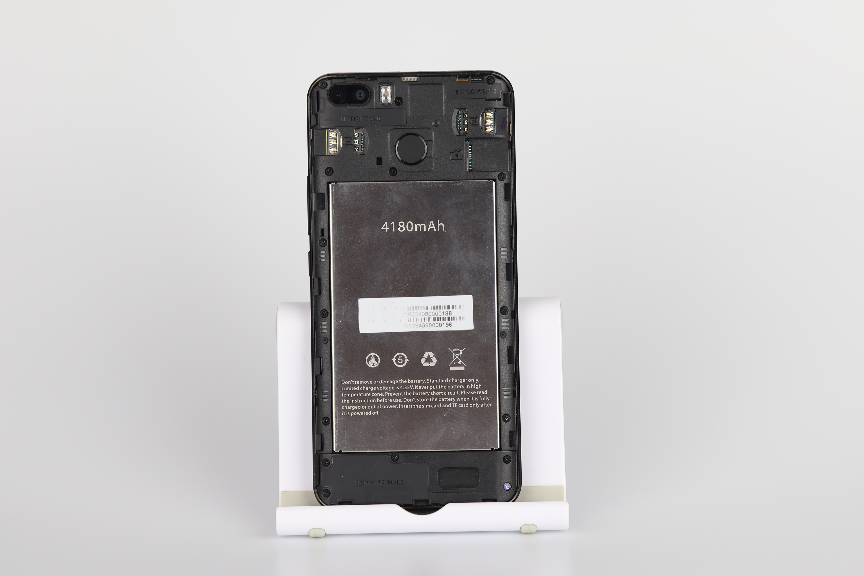 Blackview S6 Rückseite SIM Karten 1