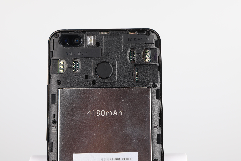Blackview S6 Rückseite SIM Karten 2