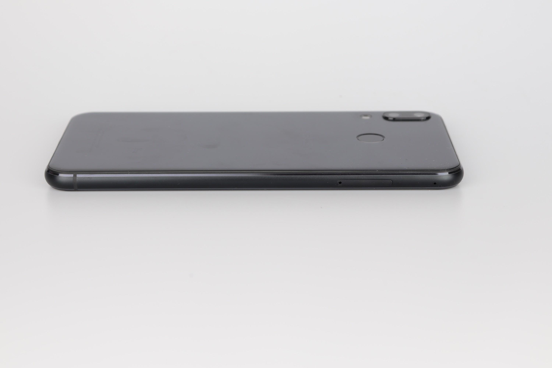 Asus Zenfone 5Z Deisgn Verarbeitung 1