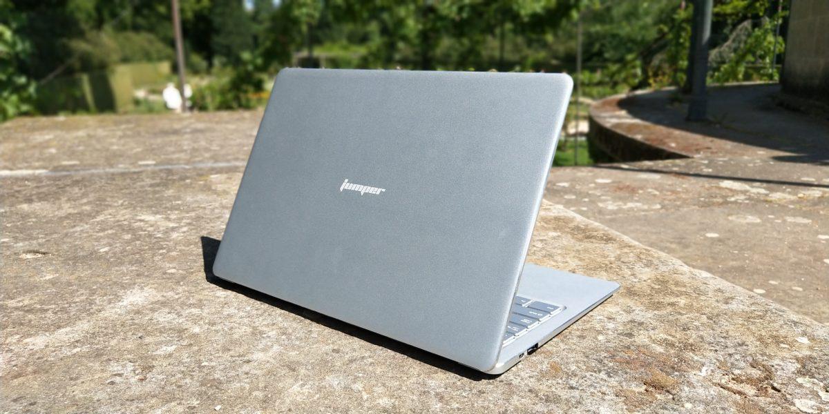 EZBook X4 Back