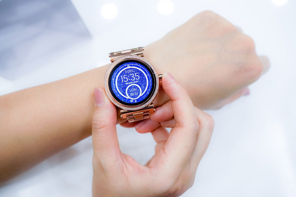 watch 2996385 1920