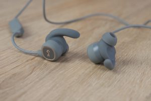 Aukey EP B60 Bluetooth Kopfhörer Design Verarbeitung 2