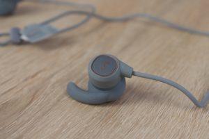 Aukey EP B60 Bluetooth Kopfhörer Design Verarbeitung 4