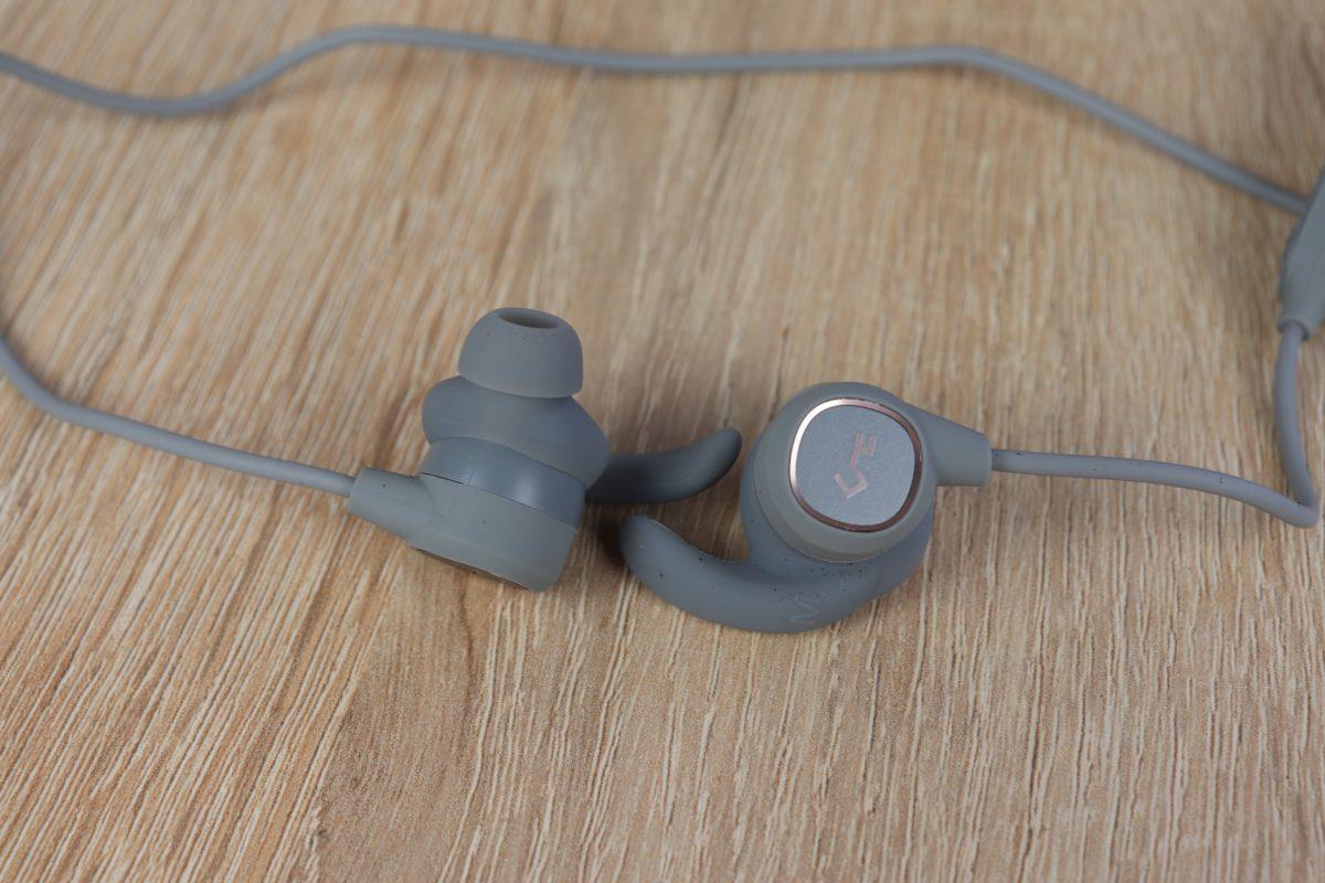 Aukey EP B60 Bluetooth Kopfhörer Design Verarbeitung 5
