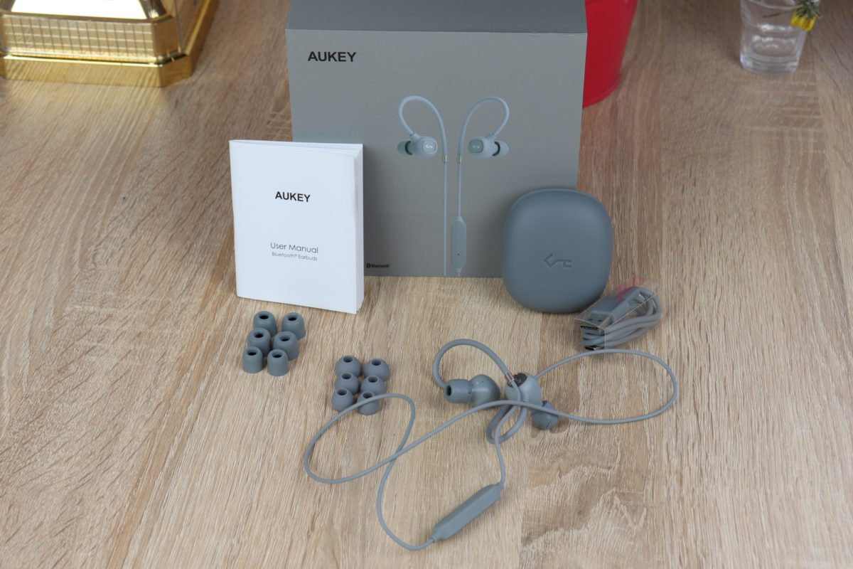 Aukey EP B80 Lieferumfang