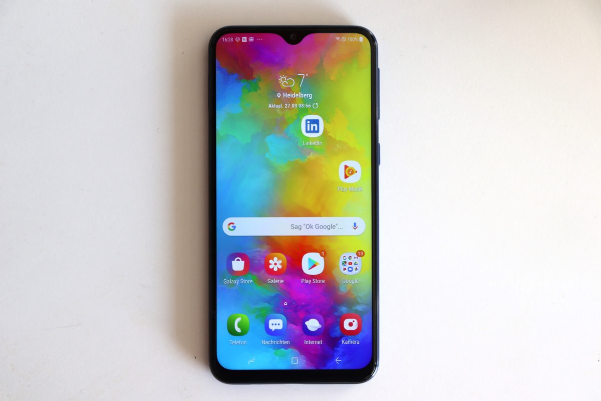 samsung galaxy m20 display