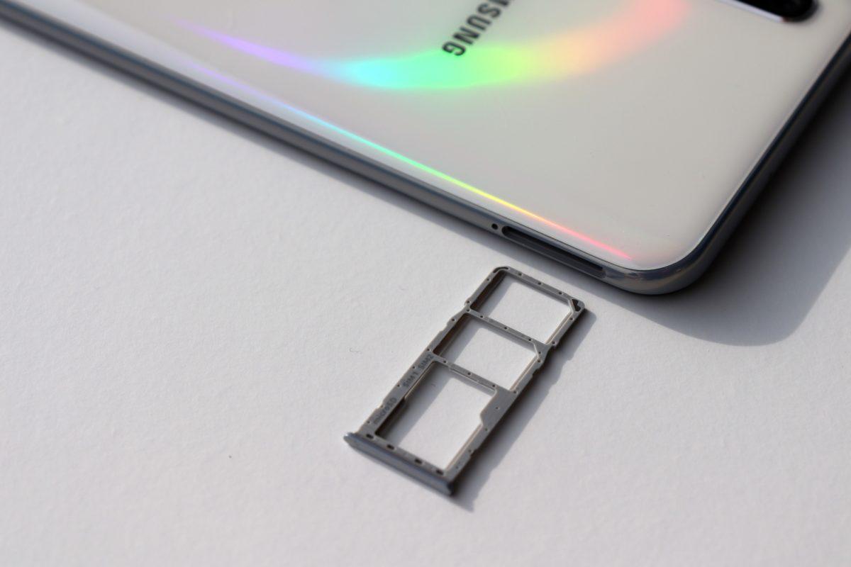 Samsung A50 simslot