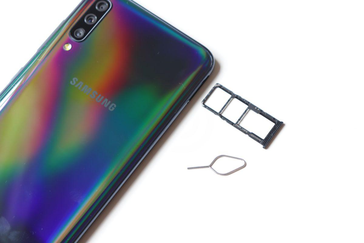 Samsung galaxy a70 simslot