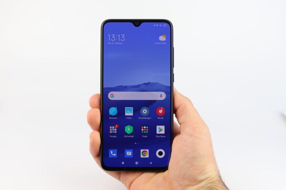 Xiaomi Mi 9 Lite Hand 2