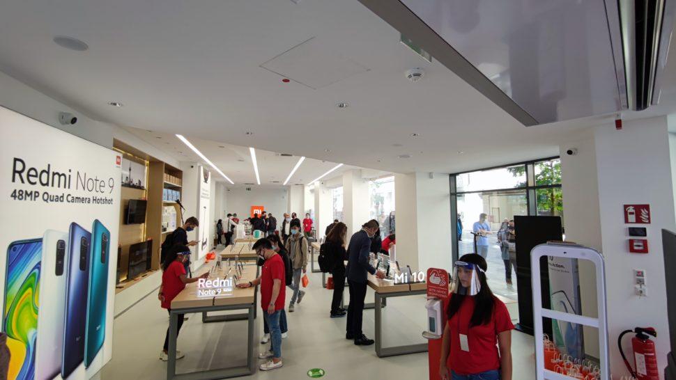 Mi Store Opening inside store 1