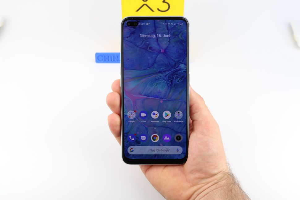 Realme X3 SuperZoom Hand Vorder Rückseite 2