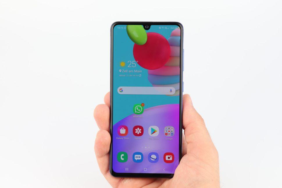 Samsung Galaxy A41 Hand Vorder Rückseite 2