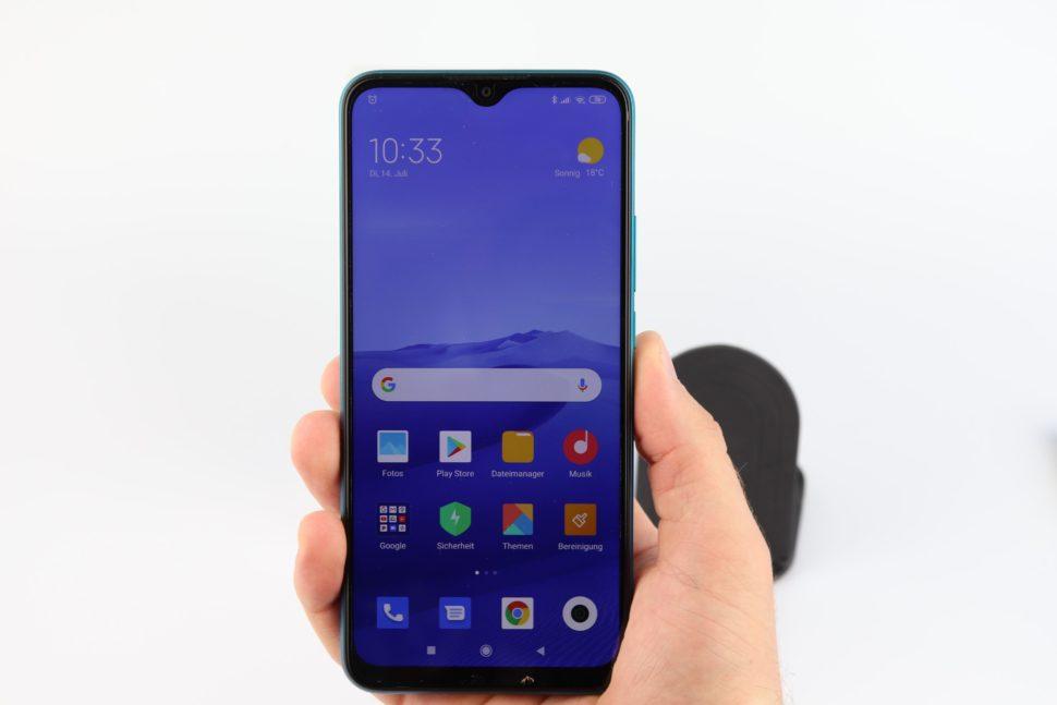 Xiaomi Redmi 9 Hand Vorne Hinten 2