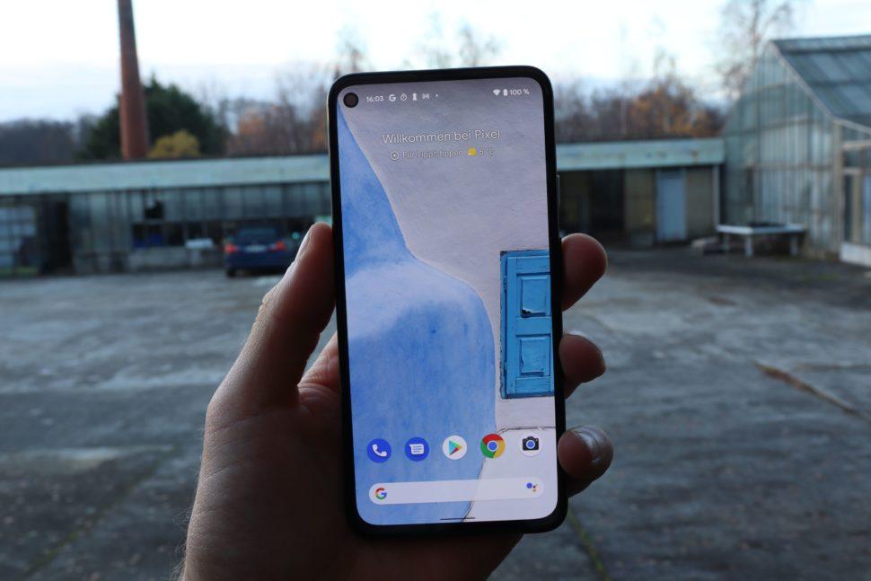 Google Pixel 4A 5G Test display