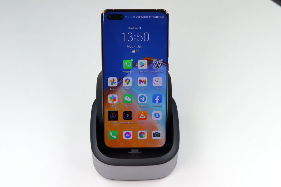 Baseus Mate Docking Station with smartphone