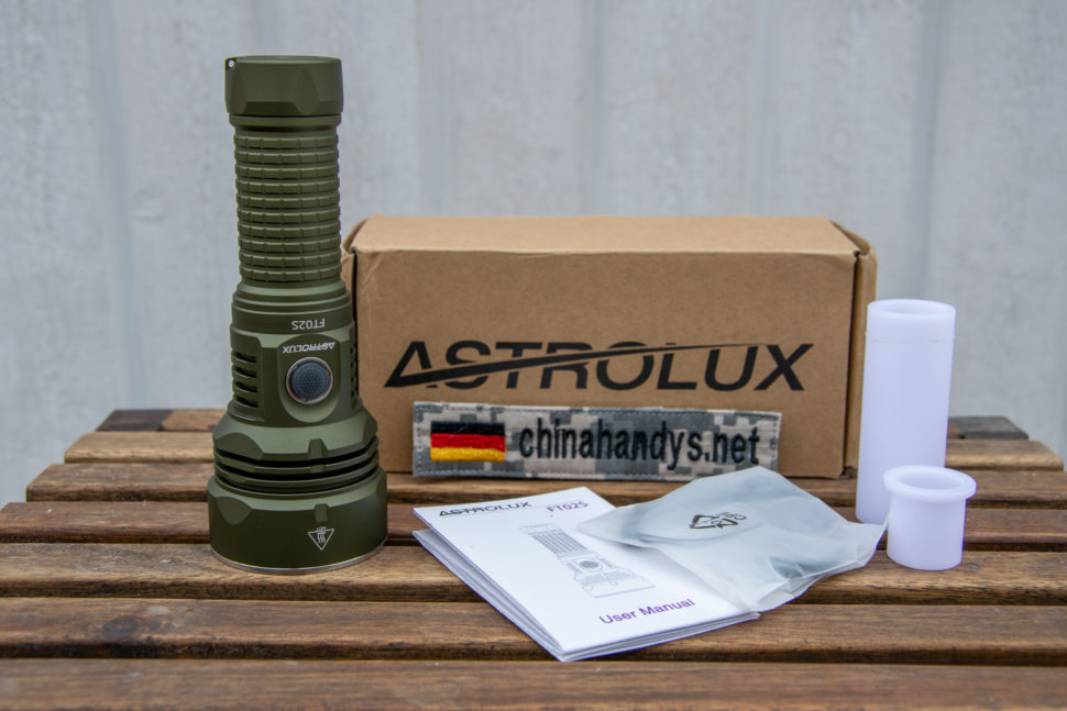 Astrolux FT02S Lieferumfang 01