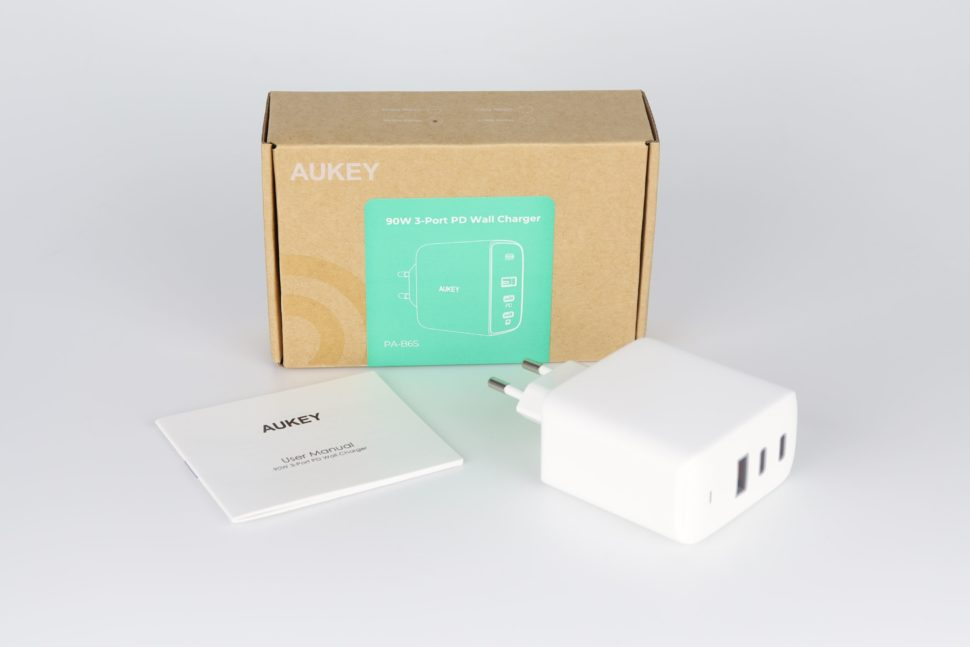 Aukey 90W 3 Port PD Wall Charger Lieferumfang