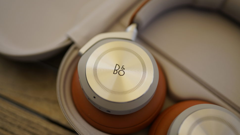 Beoplay HX Banner 6