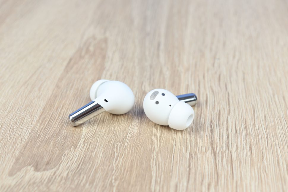 OnePlus Buds Pro Earbuds 1