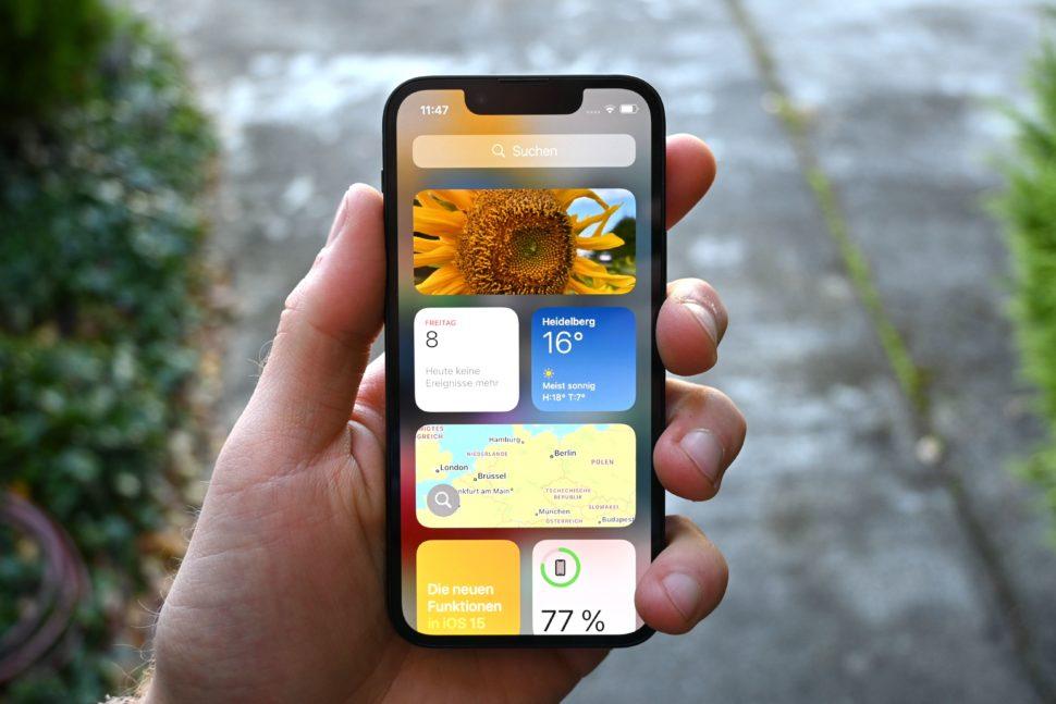 iphone 13 mini homescreen